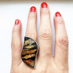 Chic & sultry tiger stripe decal ring